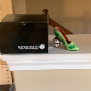 Dept 56 Xmas shoe ornament new